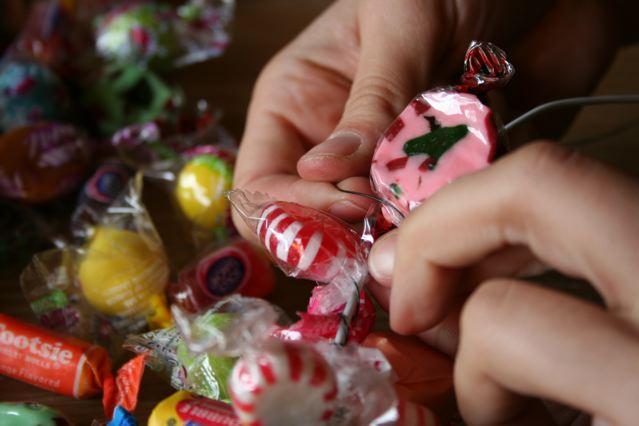 wire-around-candy