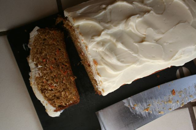 sliced-carrot-cake