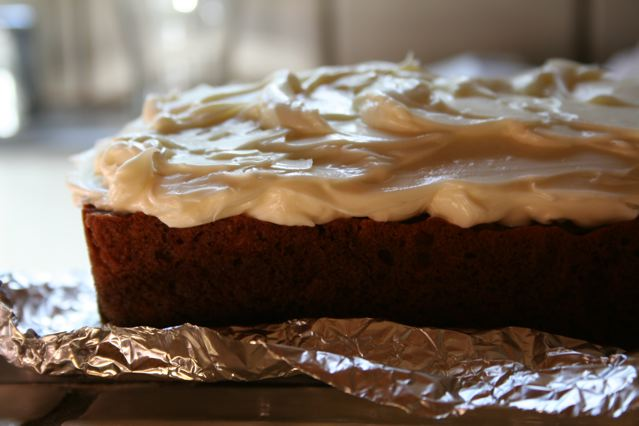 carrot-cake-cream-cheese-frosting