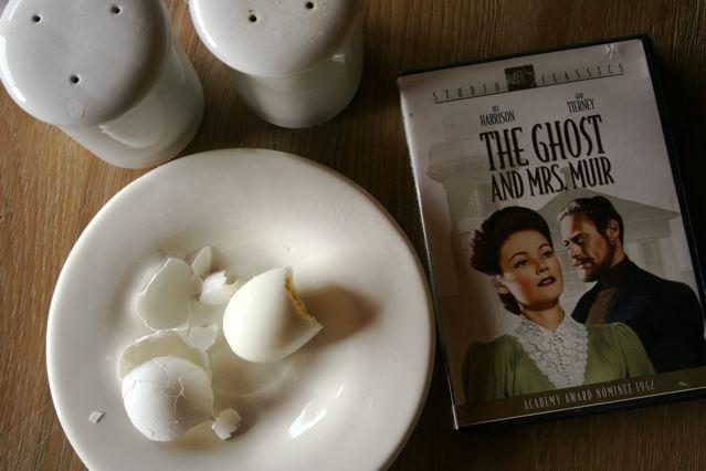 egg-and-dvd